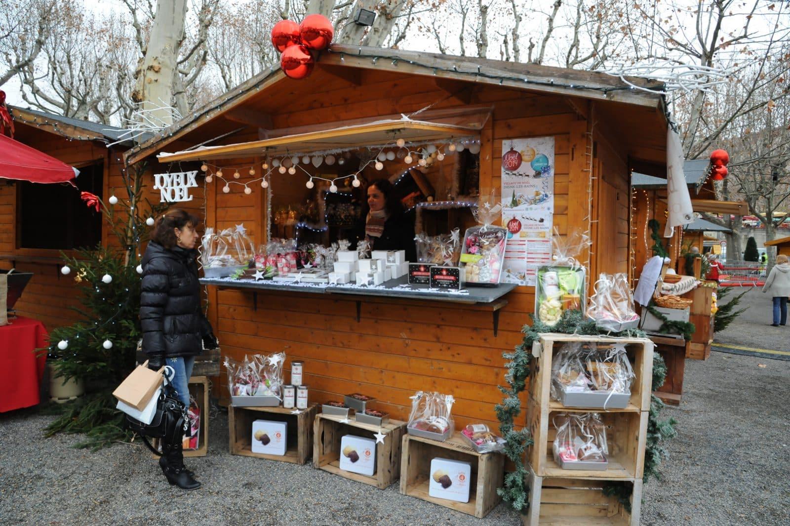 Chalet Marché De Noel Marché de Noël 2015, la location des chalets est ouverte   Ville
